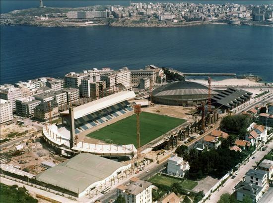 Obras de ampliación de Riazor con motivo del Mundial del 82
