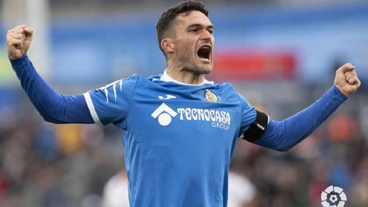 Jorge Molina vestirá la camiseta del Granada CF por las próximas dos temporadas